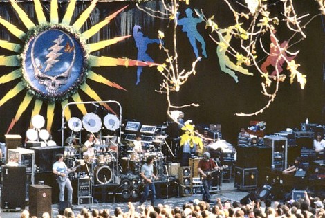 Grateful Dead performing at Stanford University Frost Amphitheater in 1986. Photo by Susana Millman from the Grateful Dead Archive at UC Santa Cruz. Image used with the gracious permission of the photographer.