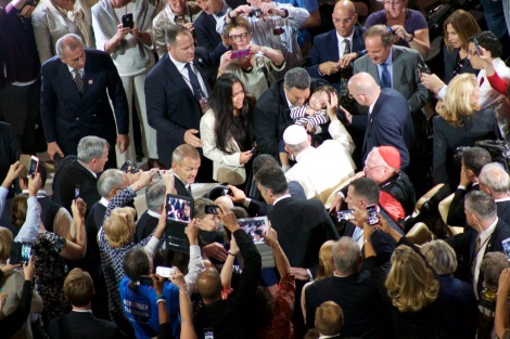 pope blesses baby msg